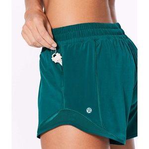 Lululemon hotty hot short teal green sz 4 tall